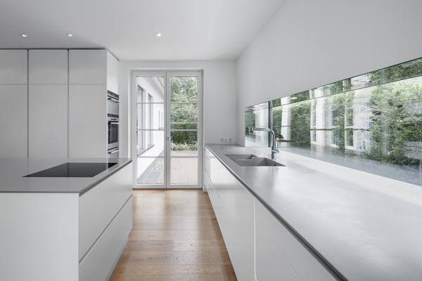 e14-kuechenfenster-schraeg_400