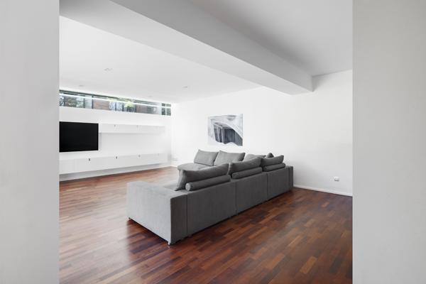 ns9-couch-von-hinten_400