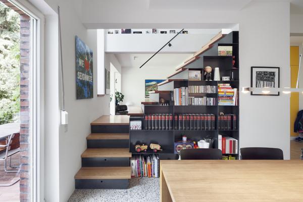 pjs-treppe-frontal_essen_400